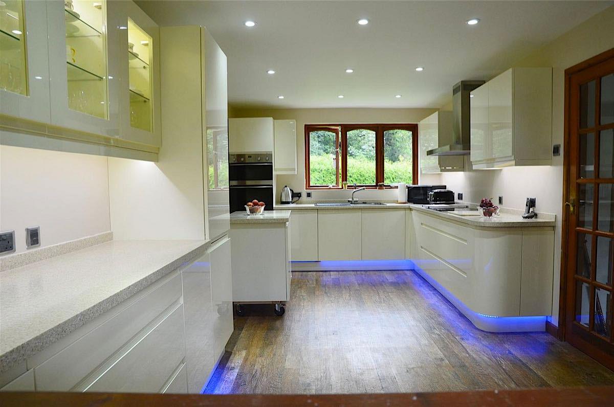 illuminazione-led-cucina - Ferramenta Blum